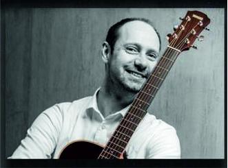 Musikalisch begleitet wird das Event von Live-Musiker Hendrik Laxa.